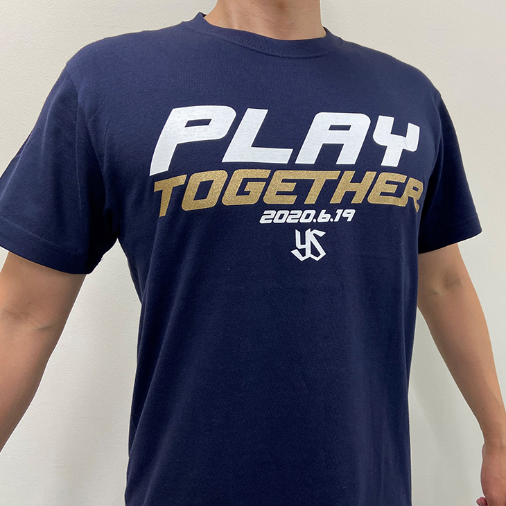 「PLAY TOGETHER」Tシャツ